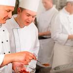 Vestirse para cocinar: cómo evitar problemas de salud